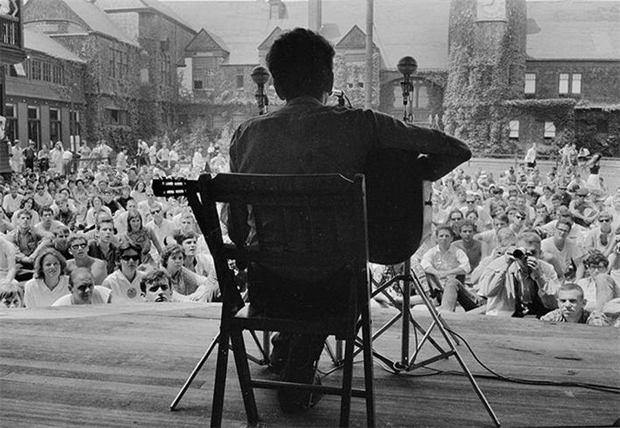 6 антирасистских песен Боба Дилана